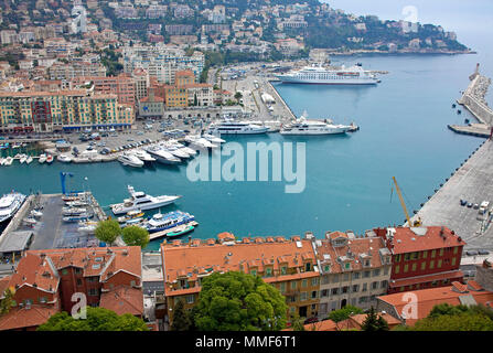 Hafen von Nizza, Côte d'Azur, Alpes-Maritimes, Suedfrankreich, Frankreich | Harbour of Nice, Côte d'Azur, Alpes-Maritimes, South France, France - Stock Photo