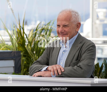 Cannes, France. 11th May 2018. Tribute to Marin Karmitz - Coup For Coup photo call at the 71st Cannes Film Festival, Friday 11th May 2018, Cannes, France. Photo credit: Doreen Kennedy Credit: Doreen Kennedy/Alamy Live News - Stock Photo