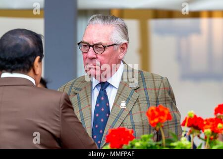 Windsor, UK. 11th May 2018. Day 3. Royal Windsor Horse Show. Windsor. Berkshire. UK. Endurance.Samuel Vestey, 3rd Baron Vestey. Master of the Horse.Hamad bin Isa Al Khalifa.  King of Bahrain. 11/05/2018. Credit: Sport In Pictures/Alamy Live News - Stock Photo
