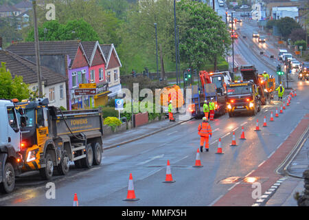 Bristol, UK. 11th May 2018. Workmen seen carrying out overnight resurfacing of the Wells Road A37, outbound Broadfield Road to Airport Road on Friday 11th may .Part of a larger on going scheme. Bristol City Council and North East Somerset Council made a joint bid to the Department of Transport for the Local Highways Maintenance Challenge Fund. Total amount awarded which includes a contribution from each authority is £6.4m Proposed carriageway reconstruction A4 and A4174 Corridors. Robert Timoney/Alamy/Live/News - Stock Photo