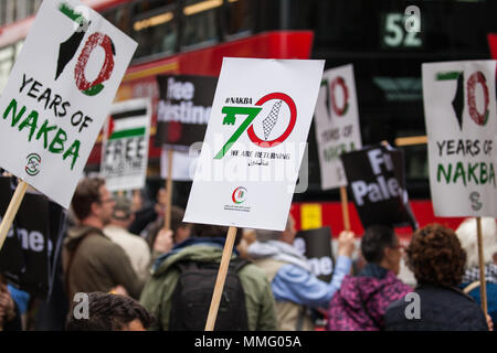London, UK. 11th May, 2018. Pro-Palestinian activists protest opposite the Israeli embassy to mark the 70th anniversary of the Nakba and in solidarity with the Great March of Return in Gaza. The protest was organised by Palestine Solidarity Campaign, Friends of Al-Aqsa, Palestinian Forum in Britain and Olive. Credit: Mark Kerrison/Alamy Live News - Stock Photo