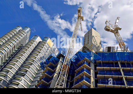 London,England, UK. 'The Corniche' apartments (left) on Albert Embankment, Vauxhall, and another block under construction - Stock Photo