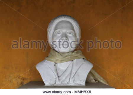 A bust in memory of the President and founder of the Tibetan Refugee Self-Help Centre in Darjeeling, India Lhacham Kusho Mrs. Deky Dolkar Thondup. The - Stock Photo