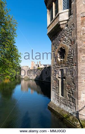The moat, Bishops Palace, Wells, Somerset, England UK. - Stock Photo
