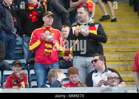 Dens Park, Dundee, UK. 12th May, 2018. Scottish Premier League football, Dundee versus Partick Thistle; Partick Thistle fans enjoying refreshments Credit: Action Plus Sports/Alamy Live News - Stock Photo