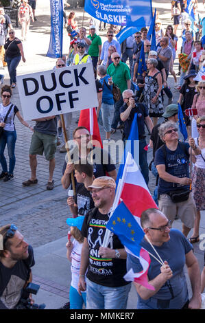 Warsaw, Poland. 12th May 2018. Thousands of anti-government protesters attend pro-European Freedom March organised in the Poland's capital against the nationalist government, the ruling Law and Justice Party (Prawo i Sprawiedliwosc) and its leader Mr. Jaroslaw Kaczynski. Credit: dario photography/Alamy Live News - Stock Photo