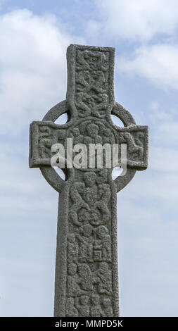 St Martin's Cross, an ancient celtic cross in front of Iona Abbey on the Isle of Iona, Argyll and Bute, Inner Hebrides, Scotland, UK. - Stock Photo