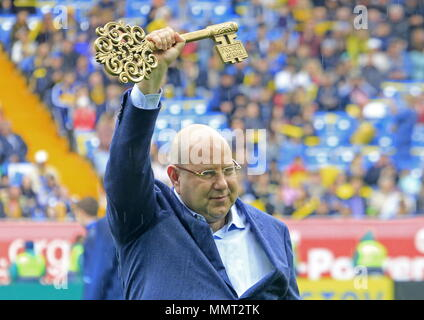 Rostov On Don, Russia. 13th May, 2018. ROSTOV-ON-DON, RUSSIA - MAY 13, 2018: FC Rostov President Artashes Arutyunyants holds the symbolic key at a ceremony to open Rostov Arena Stadium ahead of a 2017/2018 Russian Football Premier League Round 30 match between FC Rostov and FC Ural, the third trial for the venue to host ahead of the 2018 FIFA World Cup. Valery Matytsin/TASS Credit: ITAR-TASS News Agency/Alamy Live News - Stock Photo