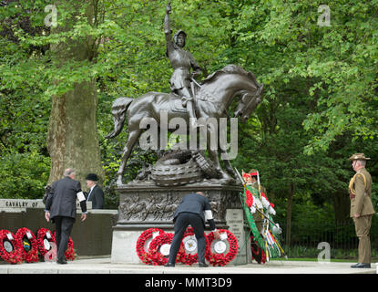 Hyde Park, London, UK. 13 May, 2018. 94 years on from the unveiling of its memorial in Hyde Park the Cavalry and Yeomanry gather to honour those members of the Cavalry and Yeomanry who fell in World War 1 and in subsequent conflicts. HRH The Princess Royal KG KT GCVO GCStJ QSO GCL CD The Colonel of the Blues and Royals takes the salute at the Annual Parade & Service of The Combined Cavalry Old Comrades Association at the Cavalry Memorial adjacent to the Bandstand in Hyde Park. Credit: Malcolm Park/Alamy Live News. - Stock Photo