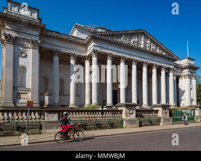 Fitzwilliam Museum Cambridge. The Fitzwilliam Museum is the art and antiquities museum of the University of Cambridge, founded in 1816. - Stock Photo