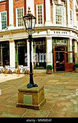 The Ivy, St Helens Square, York - Stock Photo