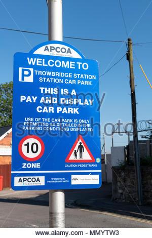 Station car park sign, Trowbridge, Wiltshire, England, UK - Stock Photo