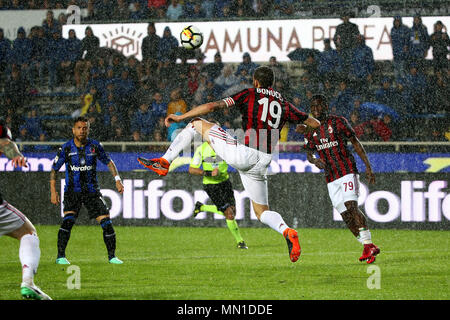 Turin, Italy. 13th May, 2018. football, Serie A championship 2017-2018 13-5-2018 Atalanta vs. Milan 1-1 in the picture: Bonucci Credit: Independent Photo Agency/Alamy Live News - Stock Photo