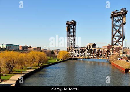 Chicago, Illinois, USA. Chicago's venerable Canal Street Railroad Bridge over the South Branch of the South Branch of the Chicago River. - Stock Photo