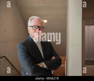 Royal Academy of Arts, London, UK. 14 May, 2018. Internationally acclaimed architect of the new Royal Academy of Arts, Sir David Chipperfield RA, Royal Academician at the official opening of the new extended RA which opens to the public on 19 May 2018. Credit: Malcolm Park/Alamy Live News. - Stock Photo