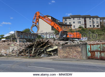 Dundee, UK. 14th May 2018. Demolition of William Halley & Sons' Wallace Craigie Works. The former flax and jute mill was built in 1834 and has been derelict for a number of years.  © Stephen Finn/Alamy Live News - Stock Photo