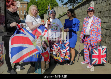 Windsor, UK. 14th May 2018. Royal fans arrive in Windsor ahead of the Royal Wedding.  Royal fans John Loughrey, 63, from Streatham, Maria Scott, 46, from Newcastle and Terry Hutt, 83, from Weston-Super-Mare have arrived in Windsor ahead of the wedding of the HRH Prince Harry and Ms Meghan Markle on Saturday 19th May . Credit: amanda rose/Alamy Live News - Stock Photo