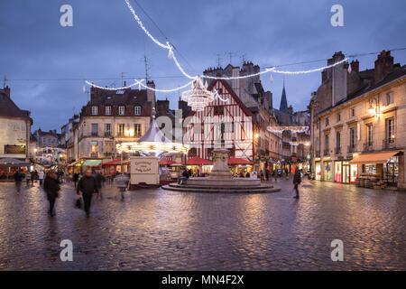 Place Froncois Rude at dusk, Dijon, Bourgogne, France - Stock Photo