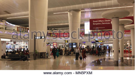 Luxurious shops and restaurants in the recently renovated terminal 3 at Indira Gandhi International Airport in Delhi, India. - Stock Photo