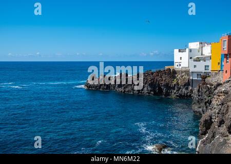 Punta Brava liegt am westlichen Ende von Puerto de La Cruz, der wohl beliebtesten Touristenstadt im Norden Teneriffas. Das kleine Fischerdorf bietet e - Stock Photo