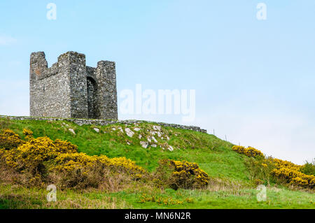 Audley's Castle, a 14th Century tower house overlooking Strangford Lough, Northern Ireland, and used as a location for Game of Thrones. - Stock Photo