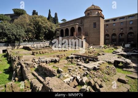 Italy, Rome, Area sacra di Sant'Omobono roman ruins - Stock Photo