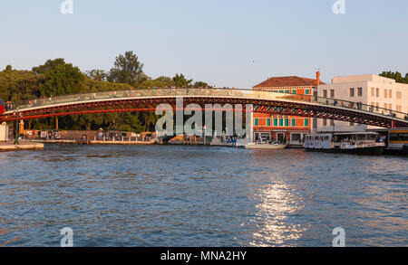 Calatrava Bridge, (Ponte della Costituzione), Grand Canal, Venice,  Veneto, Italy at sunset linking Piazzale Roma with the St Lucia train station - Stock Photo