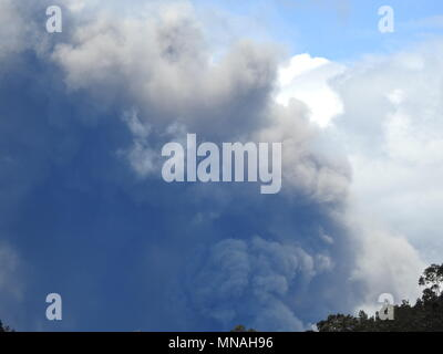 Kilauea Volcano, Hawaii. 15th May 2018. Ash Plume from Kilauea Volcano Hawaii today (05/15/2018 HST) or 05/16/2018 Credit: Volcano Resident/Alamy Live News - Stock Photo