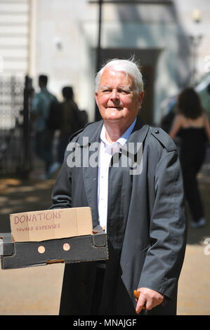 London, UK. 15th May 2018. Bruce Kent (peace activist and former Roman Catholic priest) at the Conscientious Objectors Commemorative Stone, during a ceremony of remembrance held in Tavistock Square, London, UK to mark Conscientious Objectors Day. Credit: Michael Preston/Alamy Live News - Stock Photo