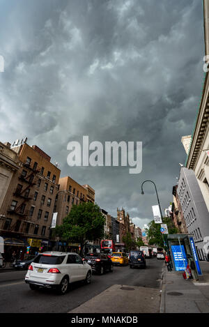 New York, USA. May 15, 2017 - New York, USA:  A line of severe storms swept throug the New York area. Credit: Stefan K/Alamy Live News - Stock Photo