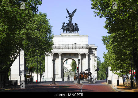 Wellington Arch, rear view, Hyde Park Corner. London Iconic Landmarks, London, United Kingdom. Architect: n/a, 2011. - Stock Photo