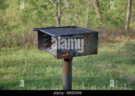 'Portrait of BBQ' a rusting grill at a picnic site on The Blue Ridge Parkway - Stock Photo