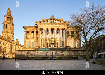 Museum and art gallery in the centre of Preston, Lancashire - Stock Photo