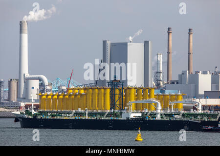 The seaport of Rotterdam, the Netherlands, Maasvlakte 2 deep sea port on an artificially constructed land area off the original coast, the Uniper Maas - Stock Photo