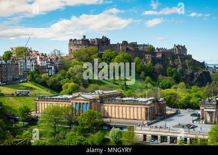 Skyline of Princes Street Gardens, Edinburgh Castle, and the Scottish National Gallery  in Edinburgh, Scotland, UK - Stock Photo