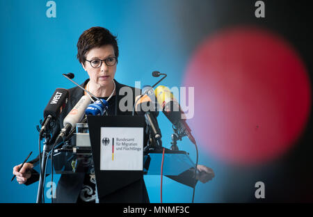 18 May 2018. Germany, Berlin: Jutta Cordt, President of the Federal Office for Migration and Refugees (Short: BAMF) issues a statement on the procedures in the Federal Office's branch in Bremen. The former branch director allegedly gave unlawfully protection to 1200 asylum seekers. Her successor stepped up for the post in January 2018 and had to resign the post by now. Photo: Bernd von Jutrczenka/dpa - Stock Photo