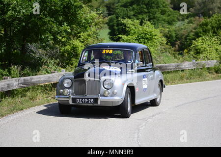 PESARO COLLE SAN BARTOLO , ITALY - MAY 17 - 2018 :ROVER 75 1955  on an old racing car in rally Mille Miglia 2018 the famous italia - Stock Photo