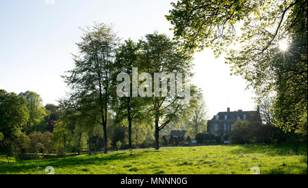 Cornwell Manor in the late afternoon spring sunlight. Cornwell, Cotswolds, Oxfordshire, England - Stock Photo