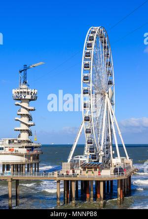 Scheveningen, The Hague, Netherlands, 23 October 2017 - The Ferris Wheel & Bungy Jump At Scheveningen - Stock Photo