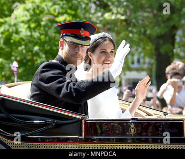 Windsor, UK. 19th May 2018. Meghan Markle and Prince Harry during the carriage procession on the Long Walk Credit: Finnbarr Webster/Alamy Live News - Stock Photo