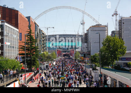 London, UK. 19th May 2018. Fans head into Wembley Statidum to watch the FA Cup Final Credit: Alex Cavendish/Alamy Live News - Stock Photo