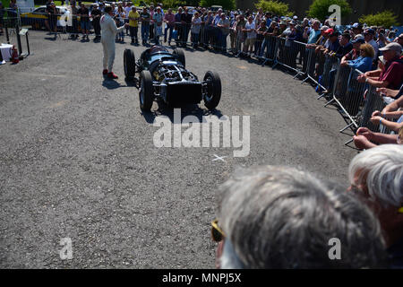 Beaulieu, England. 19th May 2018. Auto jumble and car show at the National Motor Museum in the New Forest in Hampshire. The special viewing of the 1950 BRM 1.5 litre V16. The British Racing Motors V16 was a supercharged 1.5 litre (90.8 cu in) V-16 cylinder racing engine built by British Racing Motors (BRM) for competing in Formula One motor racing in the immediate aftermath of World War II. Designed in 1947 and raced until 1954–55, it produced 600 bhp (450 kW) at 12,000 rpm, although test figures from Rolls-Royce suggested that the engine would be able to be run at up to 14,000rpm. JWO/ Alamy - Stock Photo