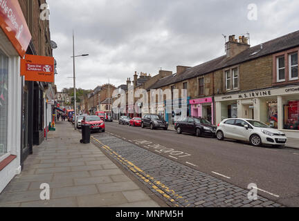 Gray street looking from King Street up towards the centre of Broughty Ferry, a suburb of Dundee, Angus, Scotland, with its many, and varied shops. - Stock Photo
