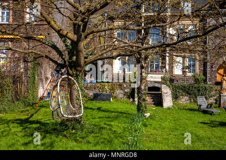 Private house and garden landscape on the Moselle. Germany homely Gardens - Stock Photo