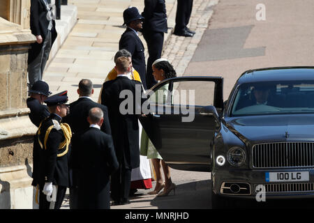 Doria Ragland, Megan Markle's mother, arrives at St George's Chapel at Windsor Castle for the wedding of her daughter to Prince Harry. - Stock Photo