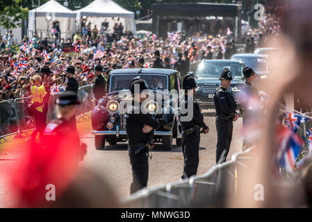 Windsor, UK. 19th May 2018.  Prior to the royal wedding in Windsor castle to Prince Harry, Meghan Markle's mother, Doria Ragland, travelled with her to Windsor castle by car. Doria was photographed crying in the car. Credit: Benjamin Wareing/Alamy Live News - Stock Photo