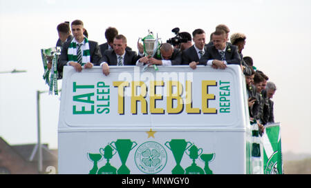 Glasgow, Scotland, UK. 19th May, 2018. Celtic have lifted the William Hill Scottish Cup at Hampden Park after beating Motherwell. Celtic won 2-0 at full-time, with goals scored by McGregor (11 minutes) and Ntcham (25 minutes). The football club is the first Scottish side to win the 'Double Treble.' After the game, the team celebrated amongst their fans, with an open-top bus victory parade from Dalmarnock to Celtic Park. Iain McGuinness / Alamy Live News - Stock Photo