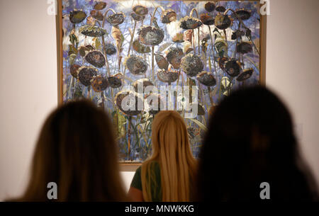 Belgrade, Serbia.  19th May, 2018. Visitors admire a painting at Zepter Art Gallery during The Night of the Museums cultural event in Belgrade, Serbia on May 19, 2018. Credit: Predrag Milosavljevic/Xinhua/Alamy Live News - Stock Photo