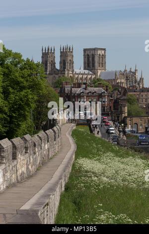 York Minster & Lendal Bridge from the roman city walls. - Stock Photo