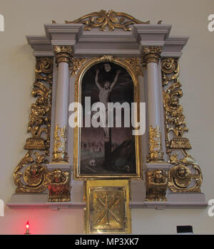 .  Alsace, Bas-Rhin, Truchtersheim, Église Saints-Pierre-et-Paul (IA67000997). Autel secondaire avec le tableau 'Christ en croix' (J.SCHNEIDER, huile sur toile, 130cm de haut, 1750):    This object is inscrit Monument Historique in the base Palissy, database of the French furniture patrimony of the French ministry of culture, under the references PM67001518 and IM67009989. Brezhoneg | Català | Deutsch | English | Español | Suomi | Français | Magyar | Italiano | Plattdüütsch | Português | +/−  . 9 August 2012. © Ralph Hammann - Wikimedia Commons 1207 Truchtersheim StsPierrePaul 26 - Stock Photo